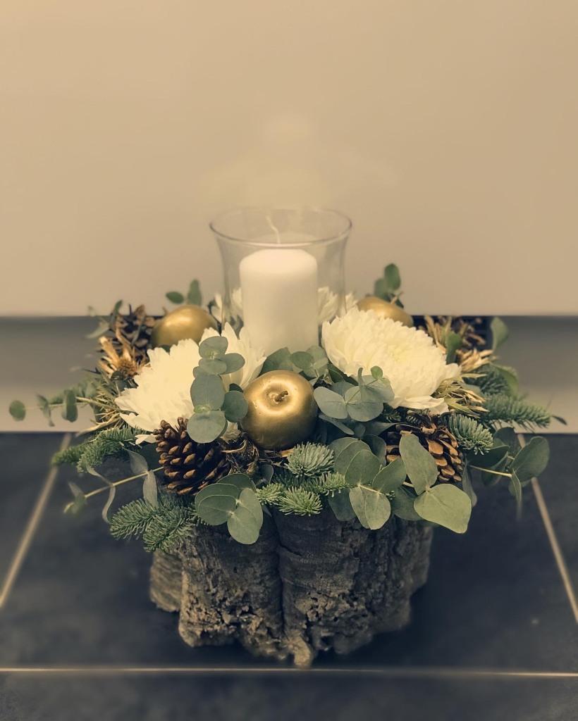 Flower and candle Christmas display £40